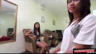หนัง X ไทย 2 สาวไทย ไปทำงานพัทยา โดนฝรั่งหิ้วมาเย็ด