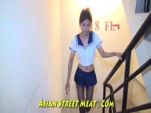 หนัง X ไทย สาวไทยใส่ชุดนักเรียนญี่ปุ่นสุดน่ารักออกขายตัวเล่นหนังโป๊