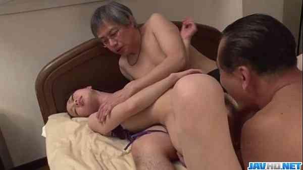 เเม่บ้านสาวนมใหญ่โดนเถ้าแก่ จับเย็ด 18+ – หนังโป๊ porn xxx ฟรี