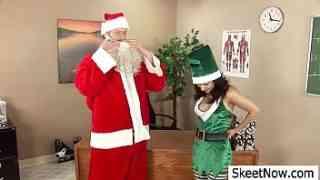 ซานตาครอสสาวฝรั่งxxxโดนจัดหนักเย็ดในคืนคริสต์มาสเอาหีเเทนของขวัญกระเเทกน้ำเงี่ยนเยิ้มหี