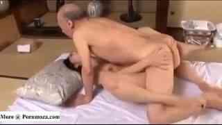 ชิเกโอะ โทคูดะ พระเอกavวัย 82 ปีในตำนานเอากับเด็กสาวอายุ20ยังปึ๋งปั๋งล่อหีซะร้องครางลั่น