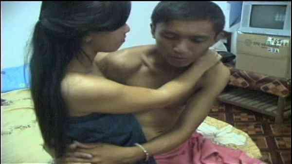 หนุ่มใต้ขี้เงี่ยนนัดแฟนมาจับเย็ดหีแดง โดนกันทีเสียบกันกระจายสาวนมใหญ่xxx