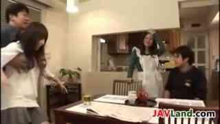 หนังโป๊ครอบครัว เย็ดกันมั่วทั้งบ้าน Jav Uncensored