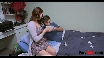 ดูหนังเอ็กเล้วเงี่ยนน้องสาวเอายาปลุกsexให้พี่ชายกิน ก่อนจับชักว่าว