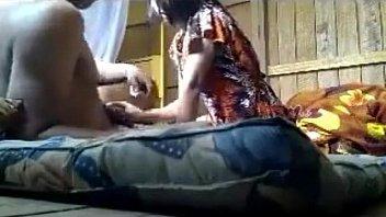 แอบเย็ดสาวพม่าสุดเงี่ยนนัดxxxเย็ดกันตอนผัวไม่อยู่ดูแล้วผัวไม่ค่อยเย็ด