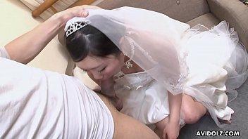 ดูหนังโป๊xxxเอ็กเย็ดสั่งลากดหีเจ้าสาวแฟนเก่าก่อนเข้างานแต่งกับเพื่อน